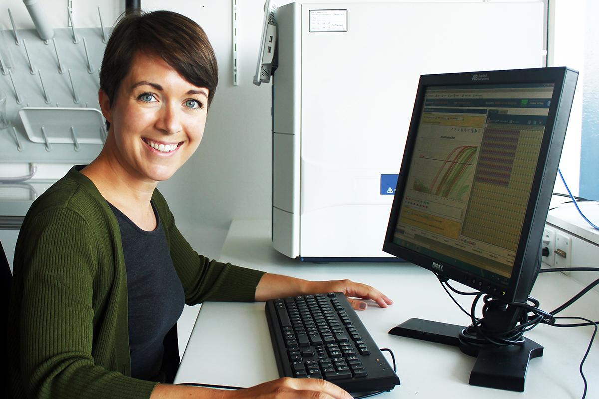 Dr. Kellie Cotter erhält den Young Investigator Award der Prostate Cancer Foundation (PFC). Bild: zvg