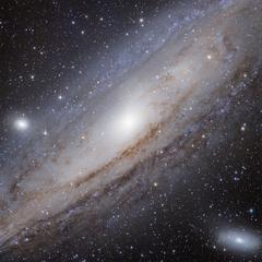 Der Andromeda-Nebel, wie er durch das «DeepSky»-Teleskop gesehen wird. © Stellarium Gornergrat.