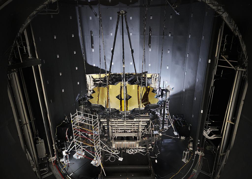 JWST im Test, Bildnachweis: NASA/Chris Gunn