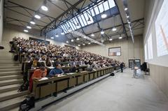 Hörsaal im VonRoll-Areal. © Universität Bern / Adrian Moser