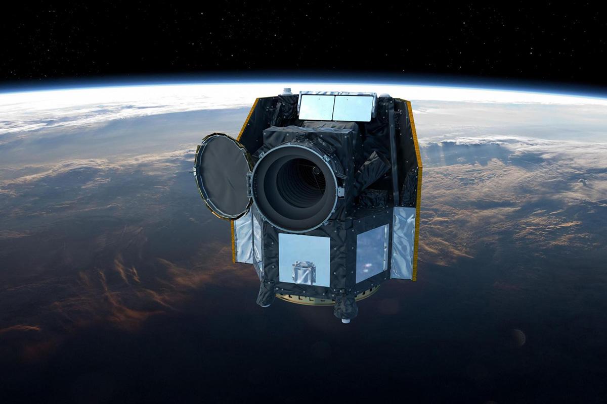 Künstlerische Darstellung des Berner Weltraumteleskops CHEOPS, das Anfang 2019 seine ESA-Mission startet. Unter der Leitung der Universität Bern und der ESA war ein Konsortium mit mehr als hundert Wissenschaftlerinnen und Wissenschaftlern, Ingenieurinnen und Ingenieuren aus elf europäischen Nationen während fünf Jahren am Projekt beteiligt. Das Teleskop wird Planeten ausserhalb unseres Sonnensystems beobachten und die Suche nach potenziell lebensfreundlichen Planeten unterstützen. © ESA