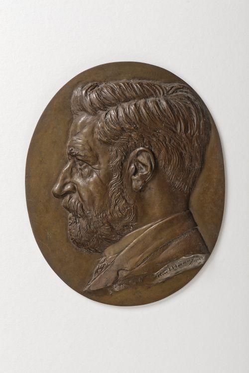 Bronzeporträt von Eugen Huber,  hergestellt von Karl Hänny (Nachlass Eugen Huber, aufbewahrt im Institut für Rechtsgeschichte der Universität Bern). Foto: Iris Krebs