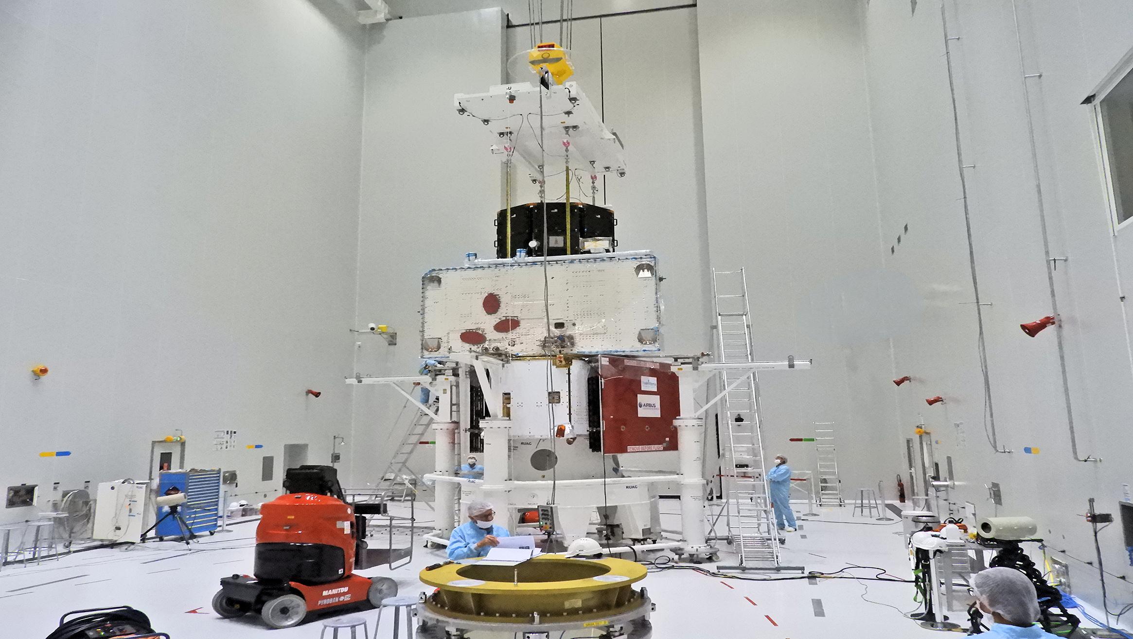 Die komplett zusammengesetzte Raumsonde BepiColombo. © ESA–B.Guillaume