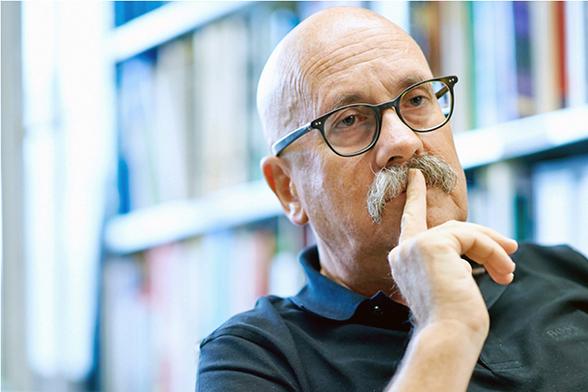 Prof. Dr. Rolf Weingartner, Mobiliar Lab für Naturrisiken des Oeschger-Zentrums für Klimaforschung (OCCR), Universität Bern. Bild: zvg