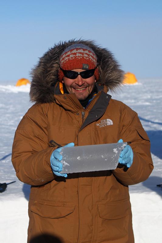 Dr. Michael Sigl, Oeschger-Zentrum für Klimaforschung der Universität Bern.  Bild: zvg