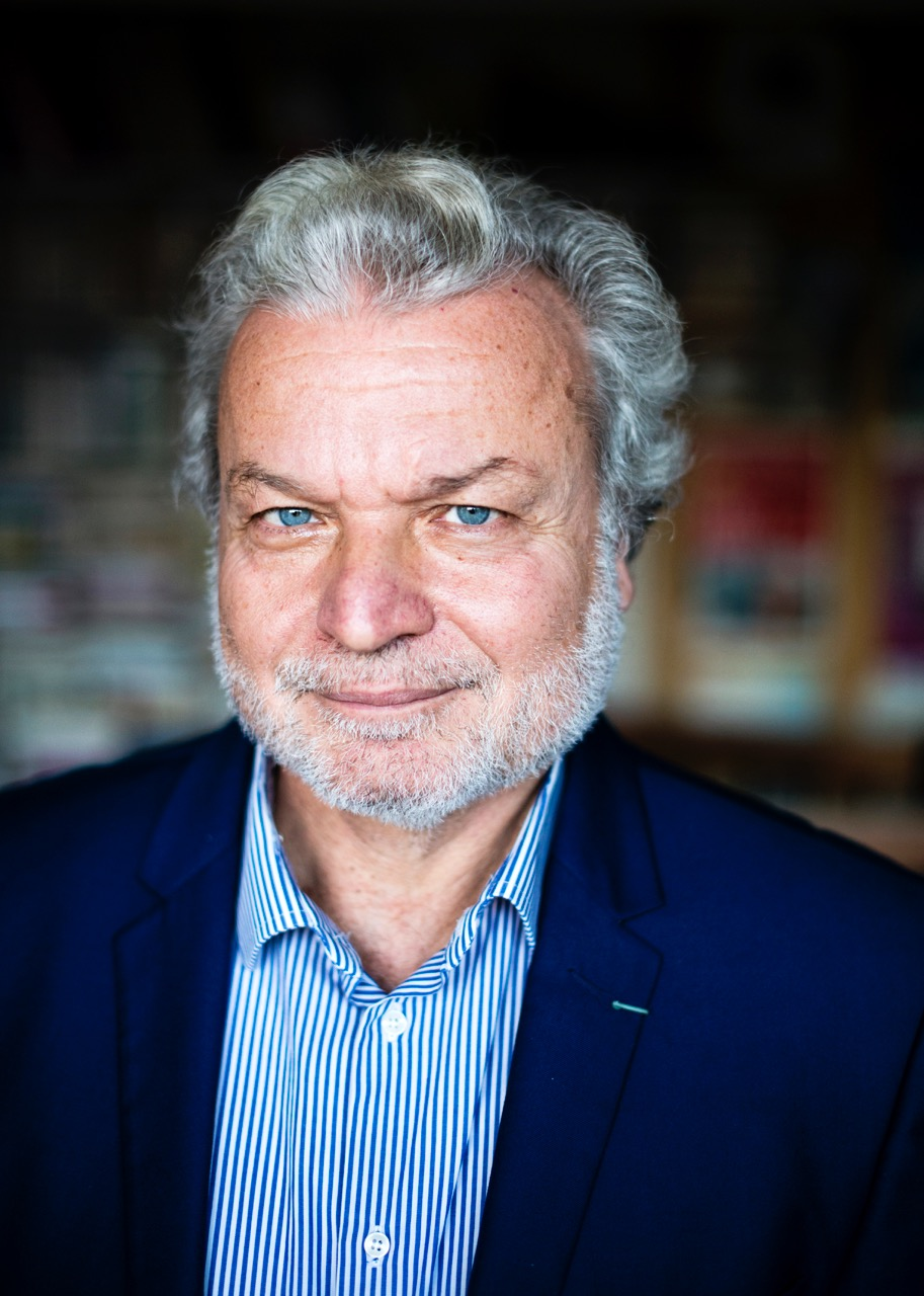 Der türkische Autor Nedim Gürsel ist im Frühlingssemester 2019 Dürrenmatt Gastprofessor. © Nedim Gürsel