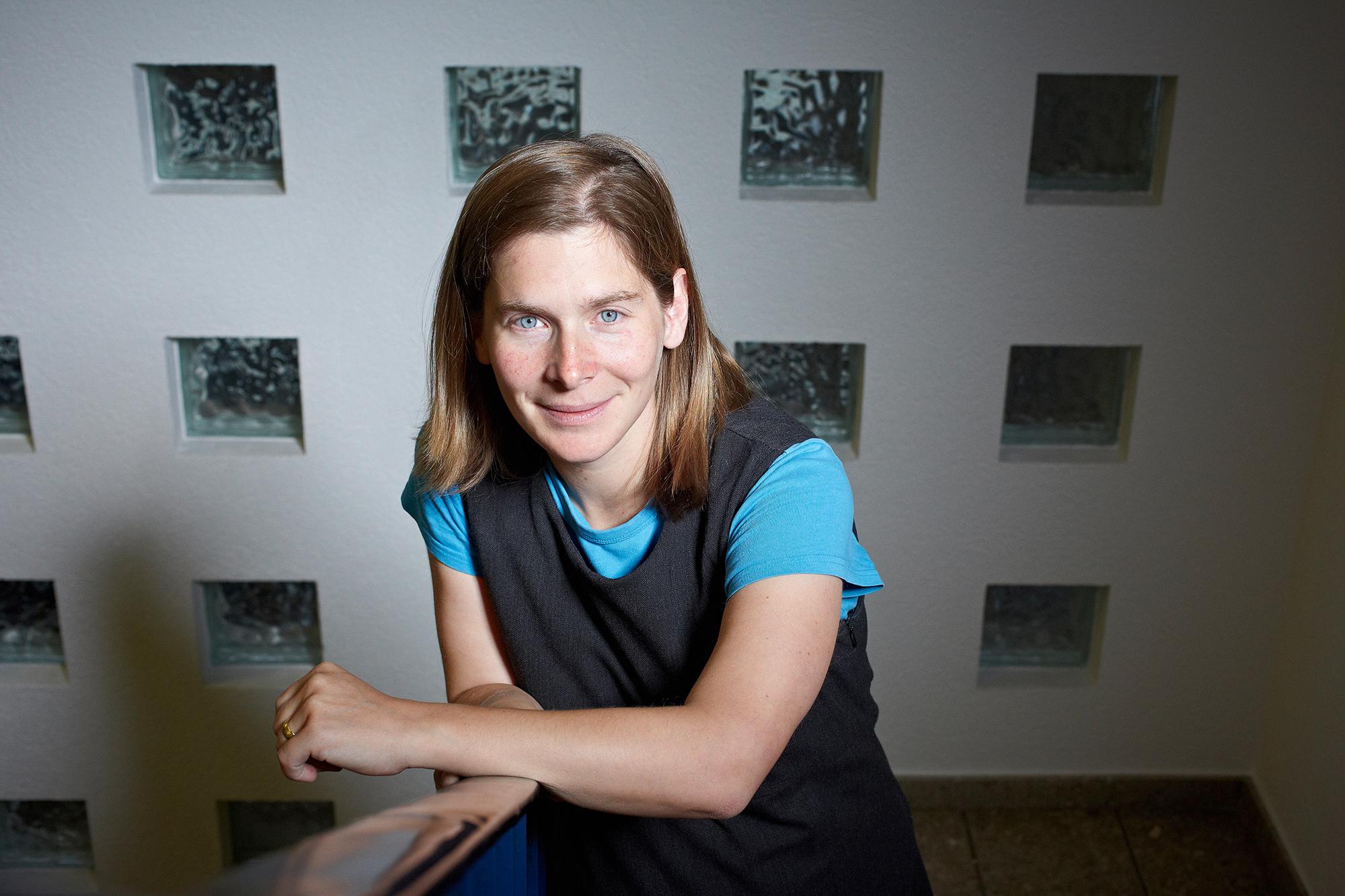 Olivia Romppainen, Professorin für Klimafolgenforschung an der Universität Bern und Co-Leiterin des Mobiliar Labs für Naturrisiken Bild: © Universität Bern / Annette Boutellier