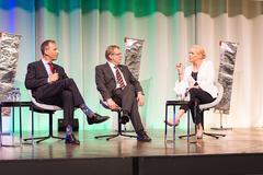Bild 18: Thomas Zurbuchen, Wissenschaftsdirektor der ESA, Johannes-Dietrich Wörner, Wissenschaftsdirektor der ESA, Moderatorin Katja Stauber.