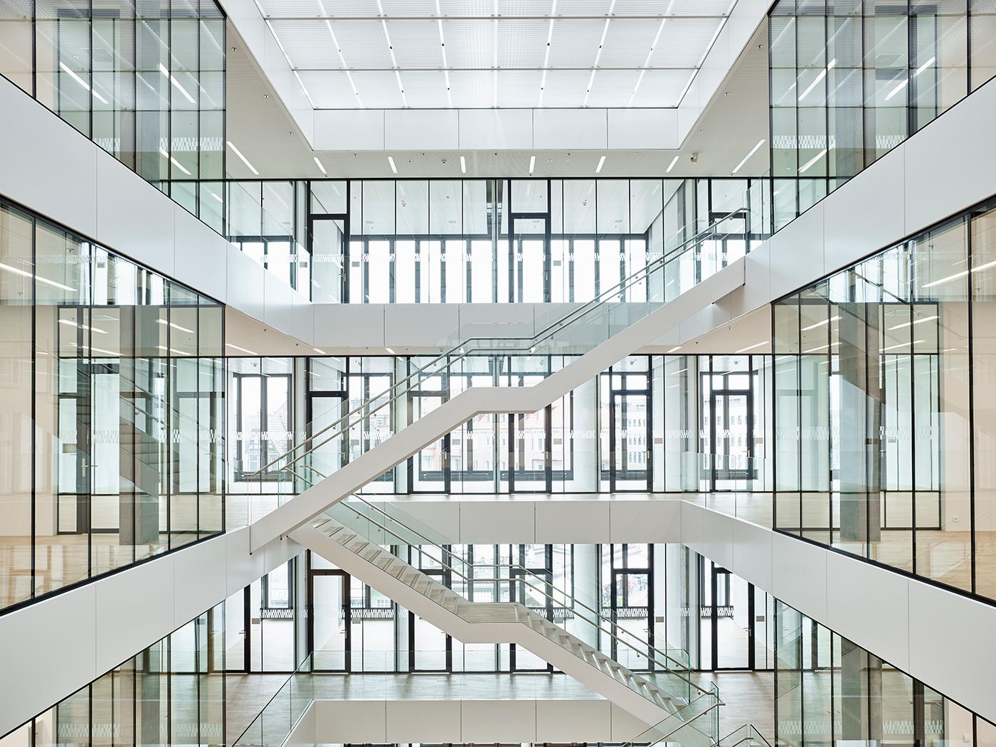 Die transparente Architektur und Begegnungszonen in der Mitte sollen den Austausch zwische  den sitem-insel-Mitgliedern fördern. Bild: sitem-insel.
