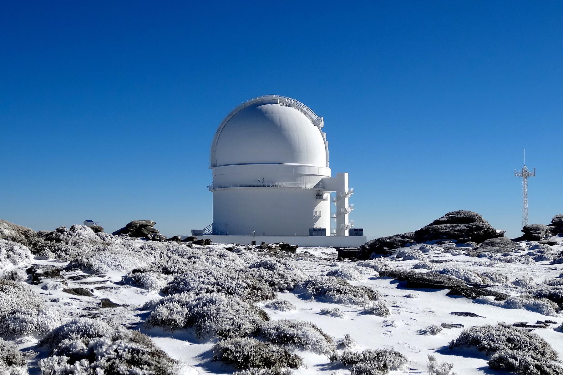 Der Exoplanet GJ 3512b wurde vom CARMENES Konsortium entdeckt mit einem Teleskop am Calar Alto Observatorium in Südspanien.  © Pedro Amado/Marco Azzaro - IAA/CSIC.