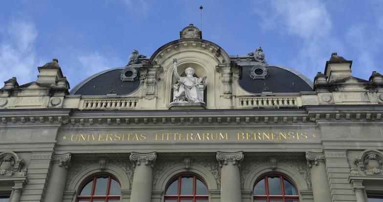 Hauptgebäude Universität Bern, Dachansicht